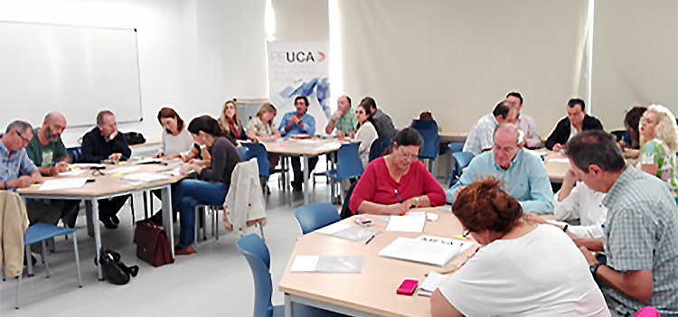 La UCA forma a su personal sobre herramientas para mejorar la relación con los grupos de interés