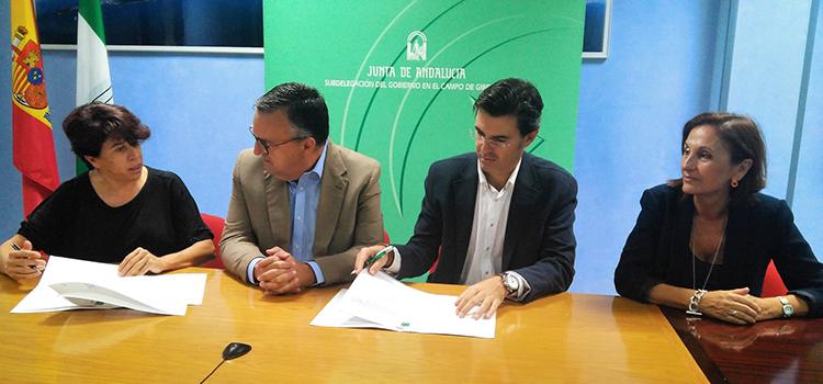 La UCA y el Consorcio de Transporte del Campo de Gibraltar incentivan el uso del transporte público por parte del alumnado