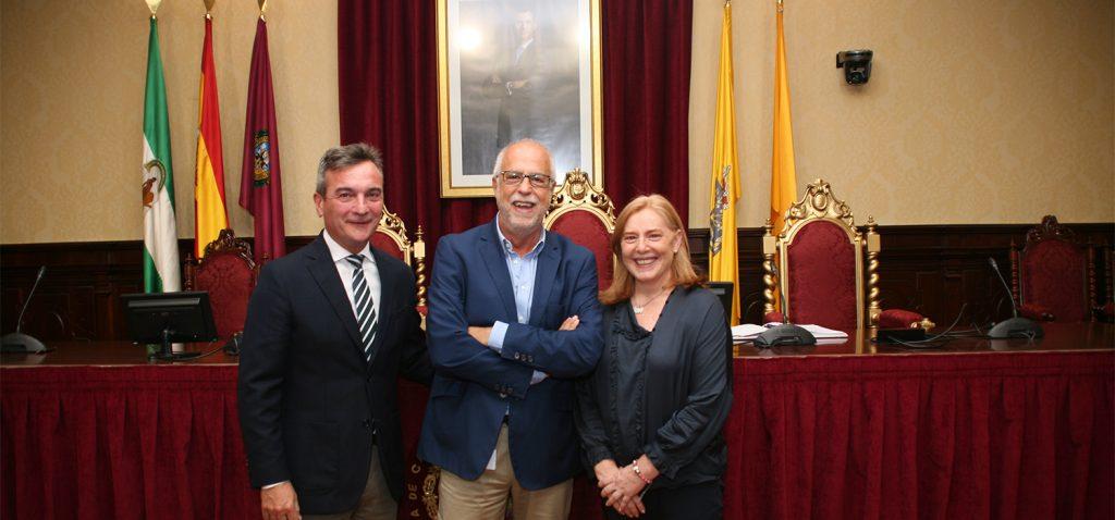 El profesor Juan Antonio Micó toma posesión como nuevo vicerrector de Investigación de la Universidad de Cádiz