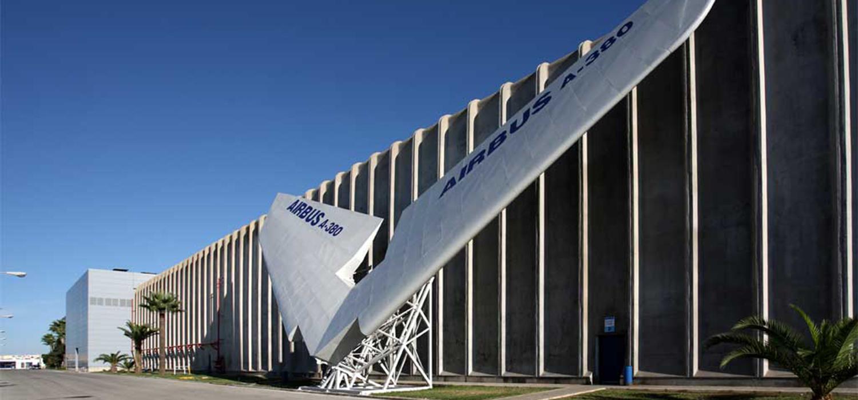 UCA y Airbus lanzan un programa pionero de tesis industriales en el ámbito aeroespacial