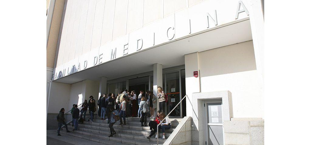 La Facultad de Medicina de la UCA, distinguida con motivo del Día de la Constitución