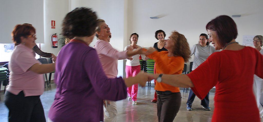 Investigadores de la UCA y la UGR demuestran que la biodanza ayuda a reducir el dolor agudo en mujeres con fibromialgia