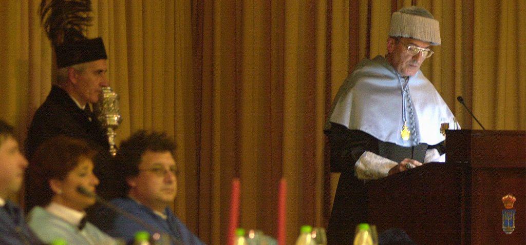 El doctor Honoris Causa de la UCA Miguel Ángel Ladero obtiene el II Premio Órdenes Españolas