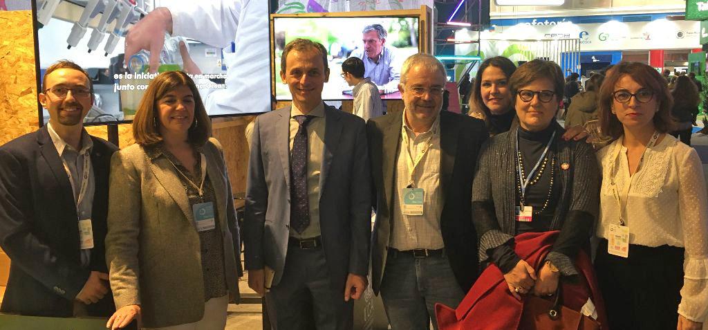 Pedro Duque visita el stand de la UCA en COP25 y felicita a la Universidad de Cádiz por el CEI·Mar y la SEA-EU