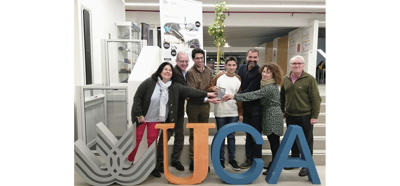 Antonio Muñoz Pizarro gana el iphone 11 Pro sorteado entre los participantes de la Feria de Empleo de la UCA