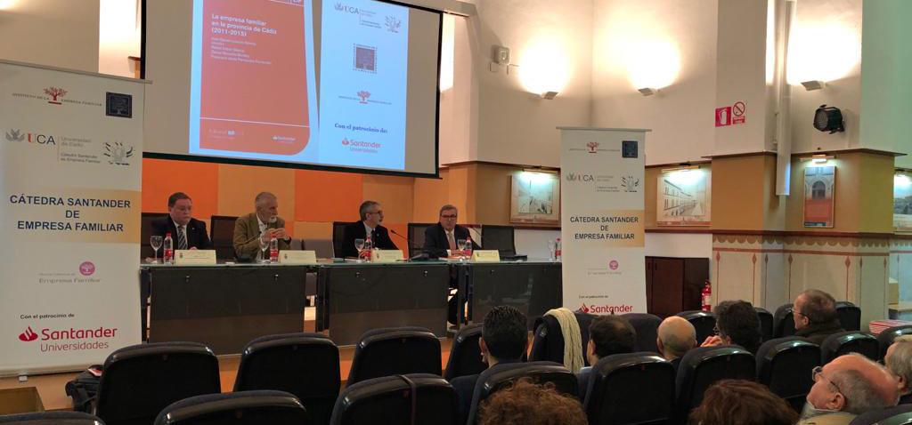 La UCA acoge la presentación del libro 'La empresa familiar en la provincia de Cádiz (2011-15)'
