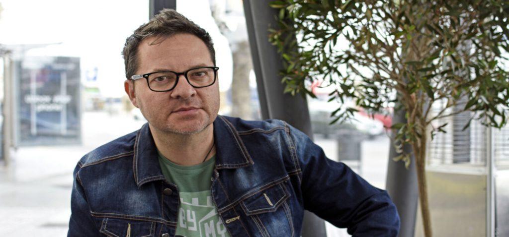 El dibujante Paco Sáez protagonizará el viernes 14 las próximas Presencias Cinematográficas de la UCA