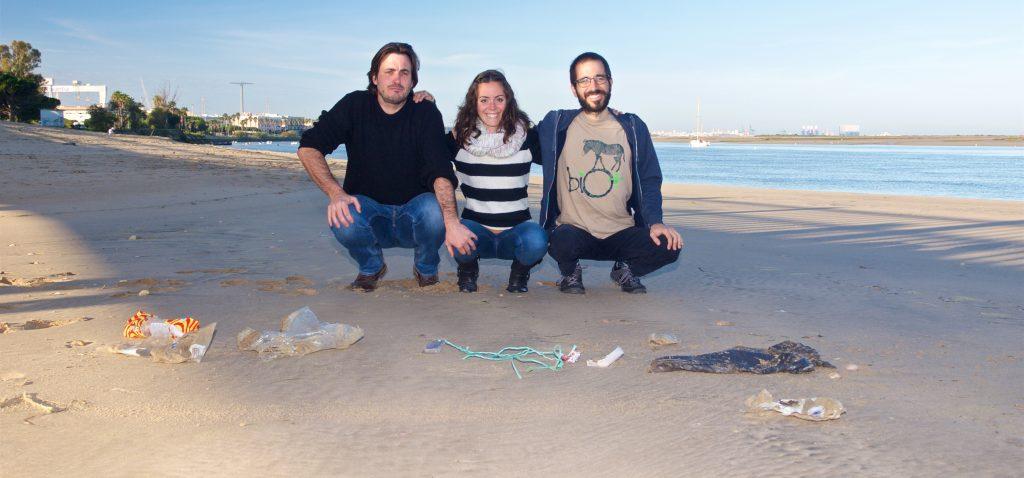 Investigadores de la UCA participan en proyecto que obtuvo ayuda de la Fundación BBVA sobre el microplástico costero