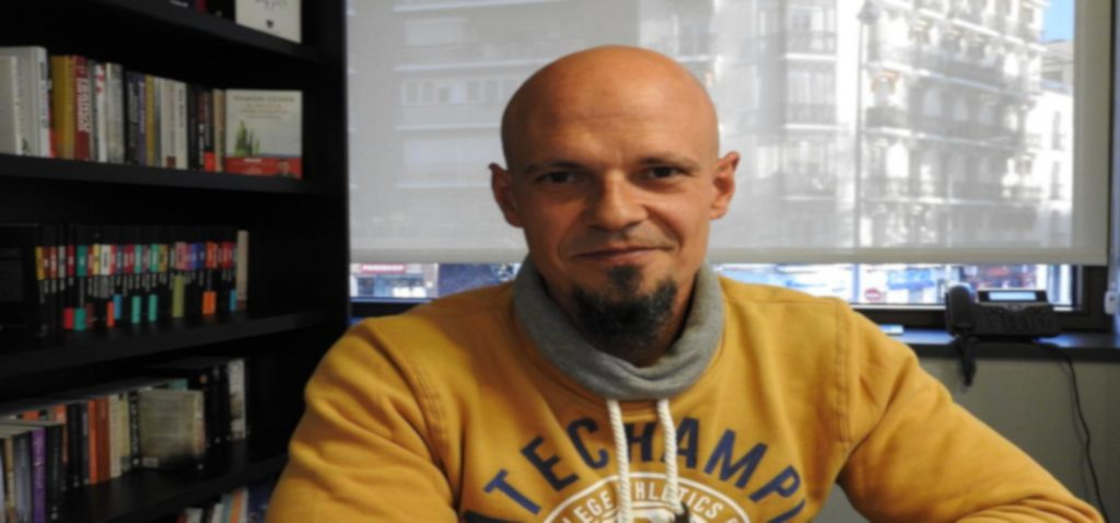 César Pérez Gellida, en los encuentros virtuales de las Presencias Literarias de la UCA