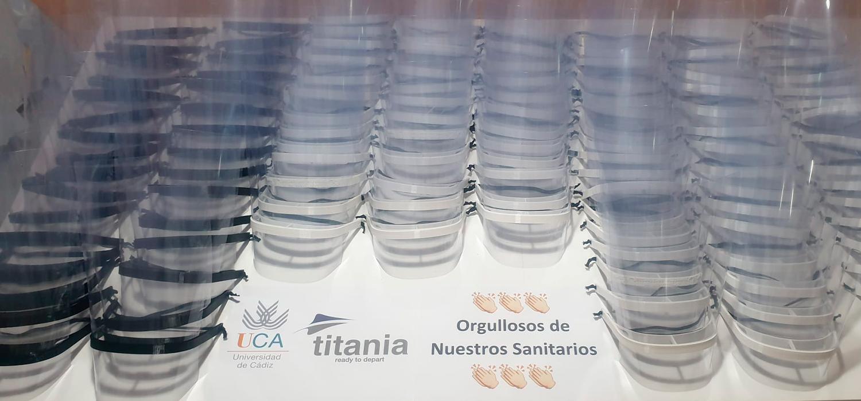 ESI y Titania entregan un centenar de pantallas de protección facial al Servicio de Prevención de la UCA