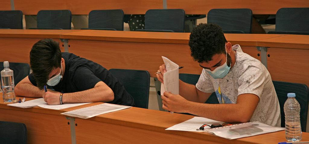 El segundo día de la PEvAU 2020 se desarrolla con normalidad en la Universidad de Cádiz
