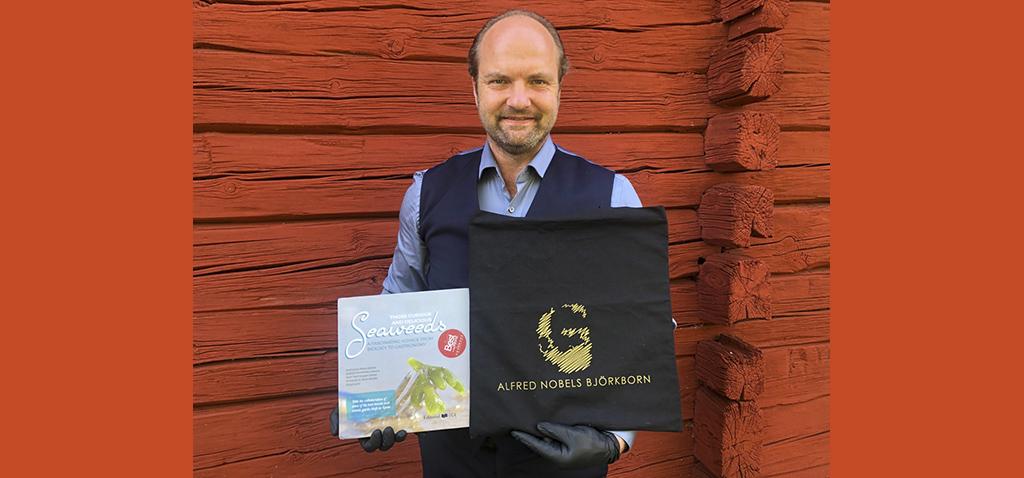 'Those Curious and Delicious Seaweeds', expuesto junto a los mejores libros de gastronomía en la casa Alfred Nobel