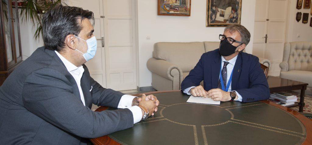 La UCA recibe la visita institucional del nuevo cónsul honorario de Uruguay para la provincia de Cádiz, Ceuta y Melilla