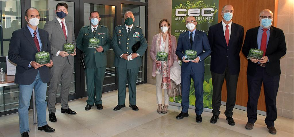 CEC MEDIOAMBIENTE reconoce el compromiso con la sostenibilidad del director de la Cátedra Verinsur de la UCA
