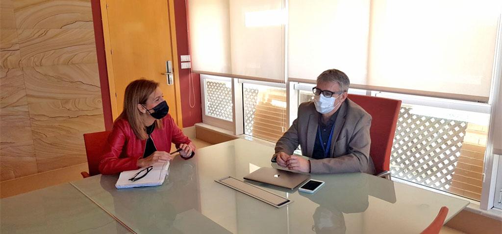 El rector de la UCA y la portavoz del PSOE abordan distintos temas relacionados con el fortalecimiento del Campus de Cádiz