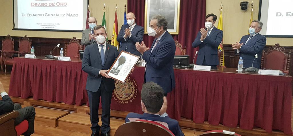 González Mazo recibe el Drago de Oro del Ateneo de Cádiz