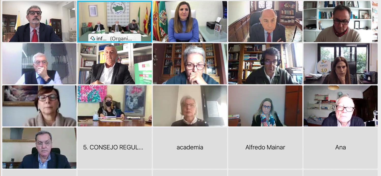 Homenaje al catedrático Carmelo García Barroso en la presentación de la memoria del I Congreso Internacional del Vino