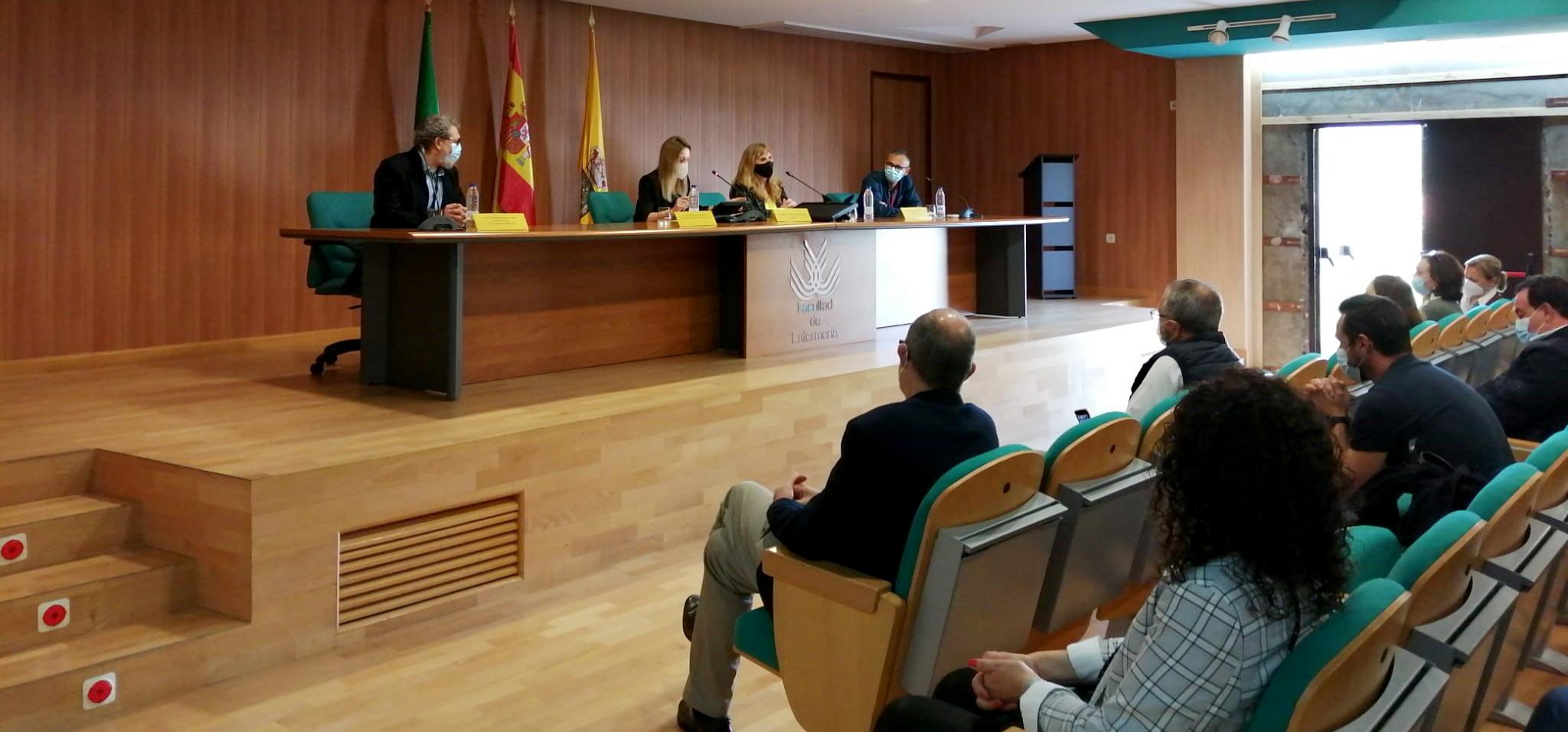 84 estudiantes de 2º curso de Enfermería comienzan sus prácticas clínicas en Algeciras