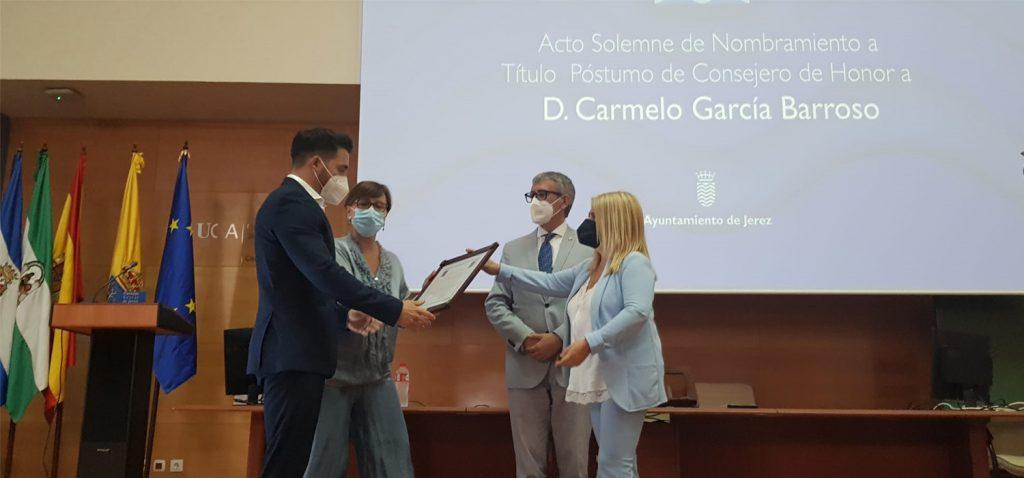 El Consejo Social de Jerez nombra consejero de Honor, a título póstumo, al profesor Carmelo García Barroso