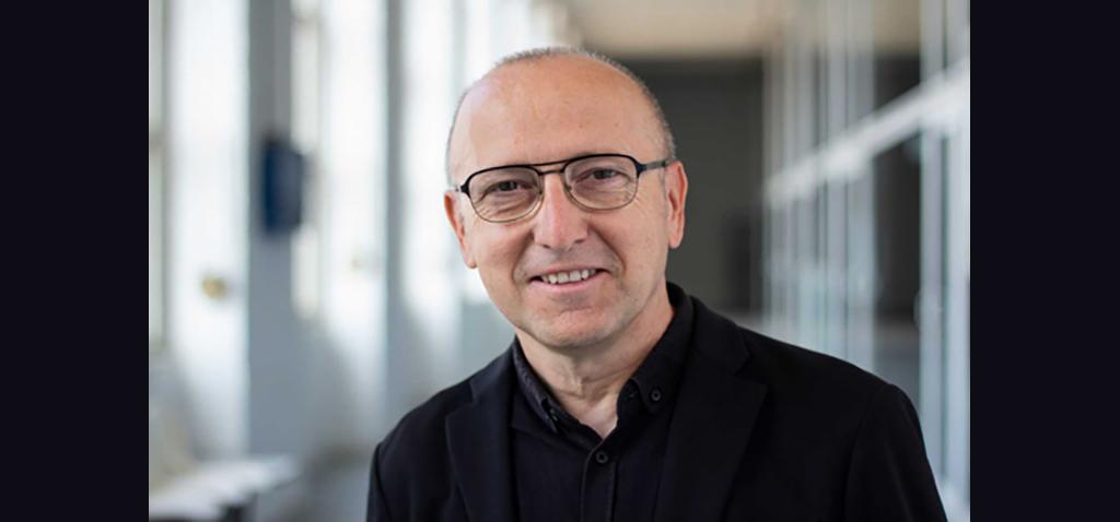 El director y presentador de 'Página 2' de RTVE inaugura las Presencias Literarias en octubre