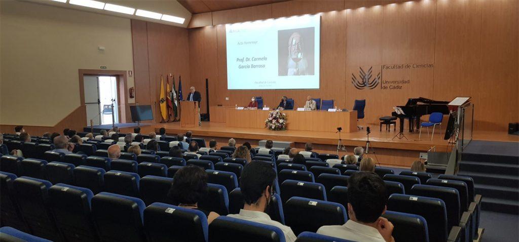 La Facultad de Ciencias de la UCA rinde un sentido homenaje al profesor Carmelo García Barroso