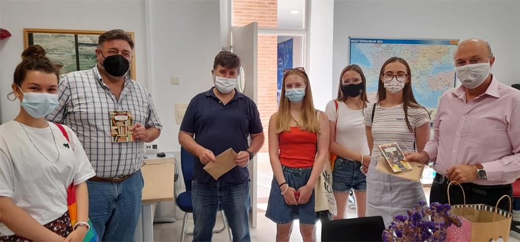 La UCA acoge a las cuatro primeras voluntarias rusas del proyecto con la Asamblea de los Pueblos de Eurasia