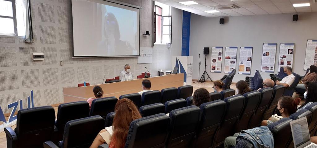 La UCA clausura el seminario 'INNOVAZUL' con la ponencia de Elva Escobar, miembro del Comité de Naciones Unidas