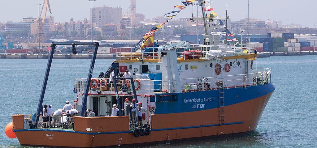 El buque de investigación oceanográfica UCADIZ acogerá de nuevo el curso de verano 'Mares de Andalucía' del CEI·MAR